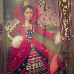 2007 Silver Collectible Queen of Hearts Barbie ❤️